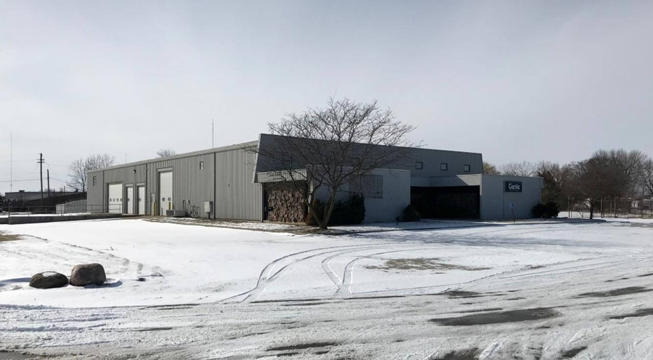 Bradley Company Closes Deal at Congressional Industrial Park