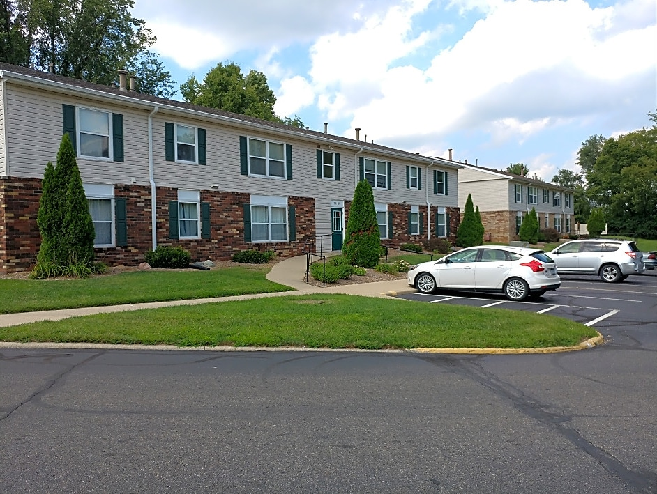 A 102-unit not-for-profit affordable multifamily property in Logansport, Indiana, came to Bradley Company when the property was in a very distressed position.